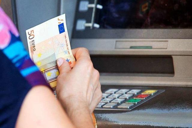 Gebührenfalle: Vorsicht am Geldautomat im Ausland
