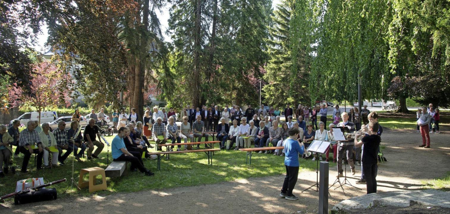 Ein Trompetertrio der Musikschule eröffnete die Feier im Hebelpark.  | Foto: Volker Münch