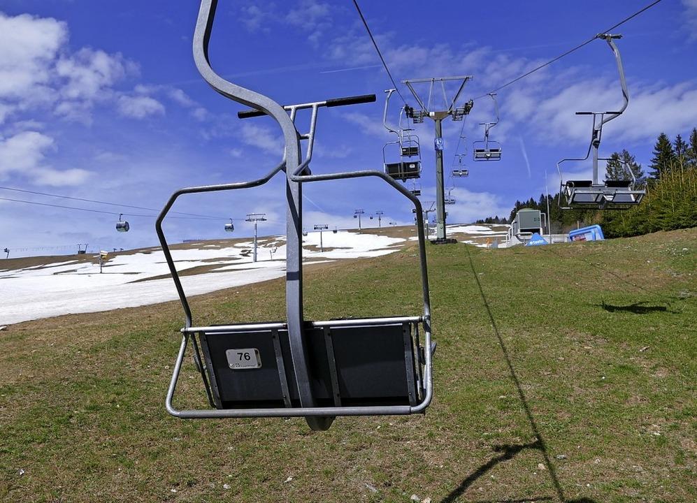 Der  Zweiersessellift am Seebuck darf ...ept für das Skigebiet beraten werden.   | Foto: Ralf Morys