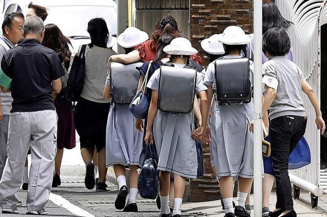 Messerstecher attackiert Schulkinder