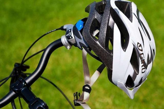 45-jähriger Radfahrer bei Unfall schwer verletzt