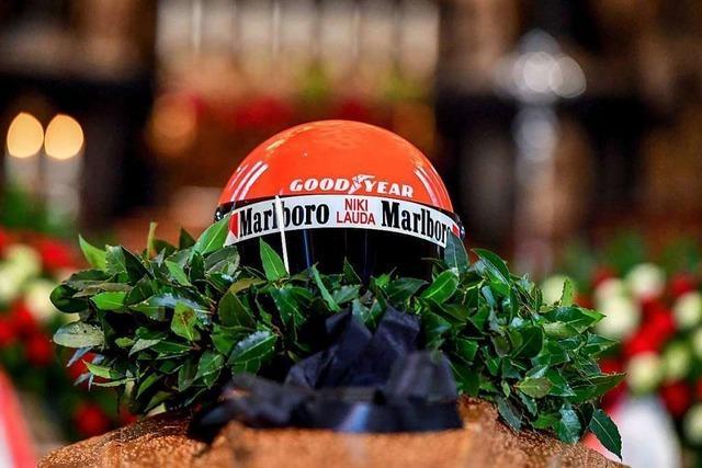 Letzter Weg für Niki Lauda - Fans verabschieden sich