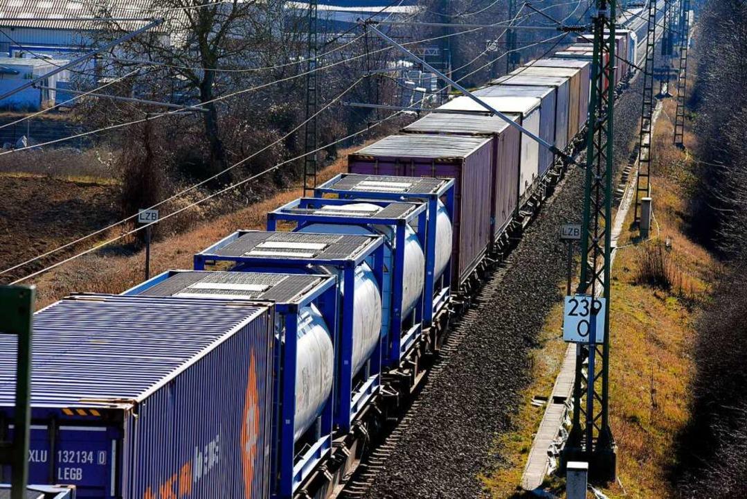Güterzug auf der Rheintalbahn  | Foto: Siegfried Gollrad