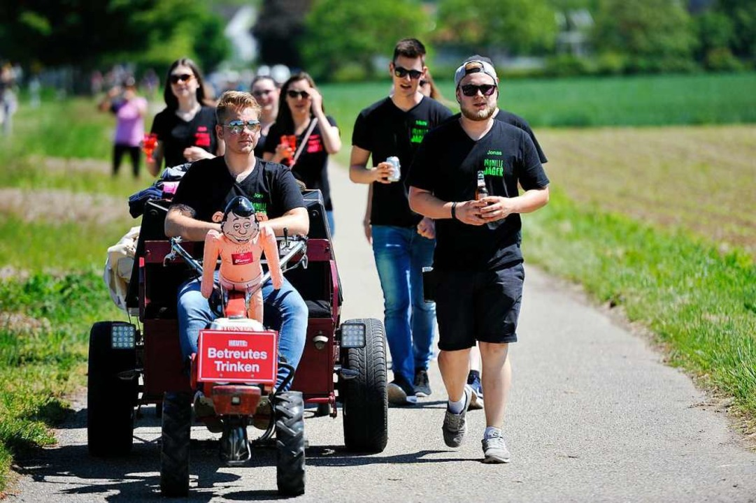 30.000 Weinfreunde waren am Gutedeltag zwischen Staufen und Müllheim unterwegs.  | Foto: Hans-Peter Müller