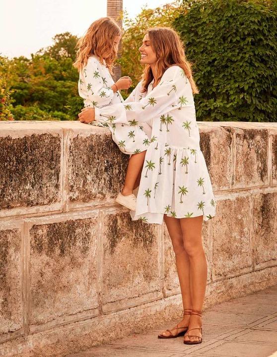 Beim Modetrend Mini Me Tragen Eltern Und Ihre Kinder Ahnliche