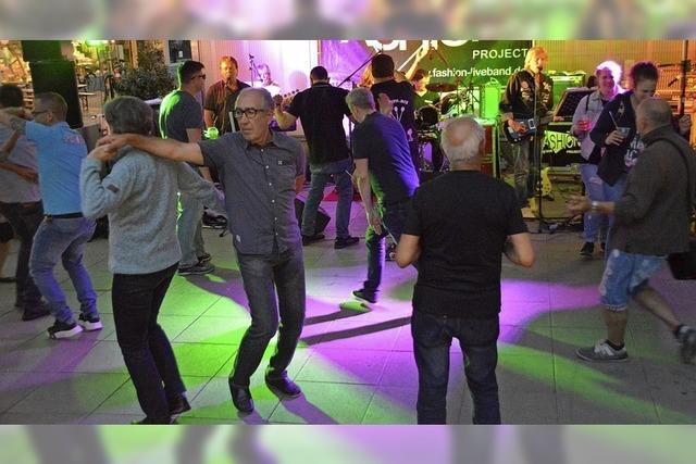 Party in der Stadt mit Musik für alle Generationen