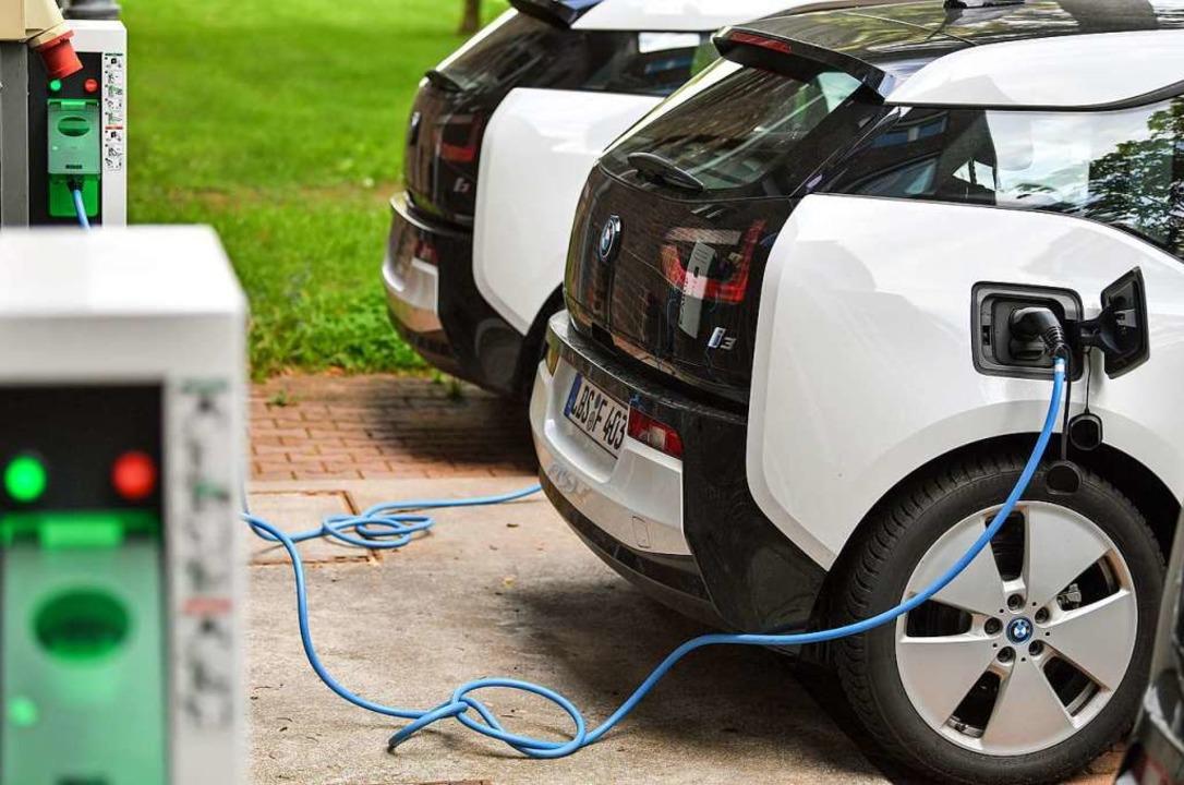 Wenn schon eine Kaufprämie für E-Autos...odelle, findet BZ-Autor Thorsten Knuf.  | Foto: Patrick Pleul (dpa)