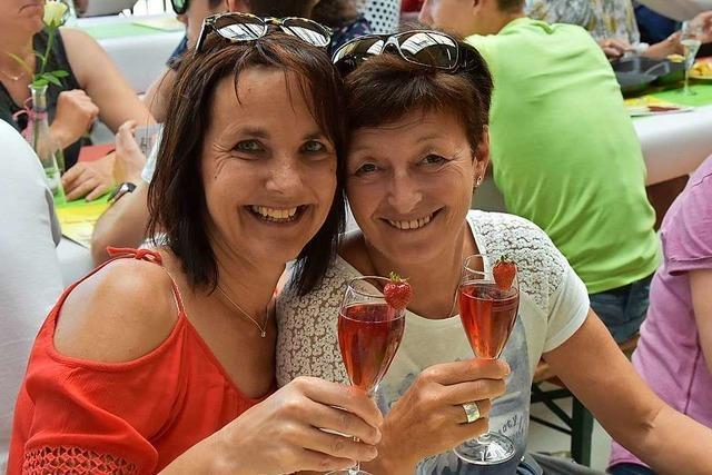 Wie war's beim Spargel- und Erdbeerfest der Dunnerloch-Zotteli-Clique?