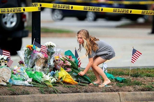 Städtischer Angestellter erschießt zwölf Kollegen in Virginia Beach