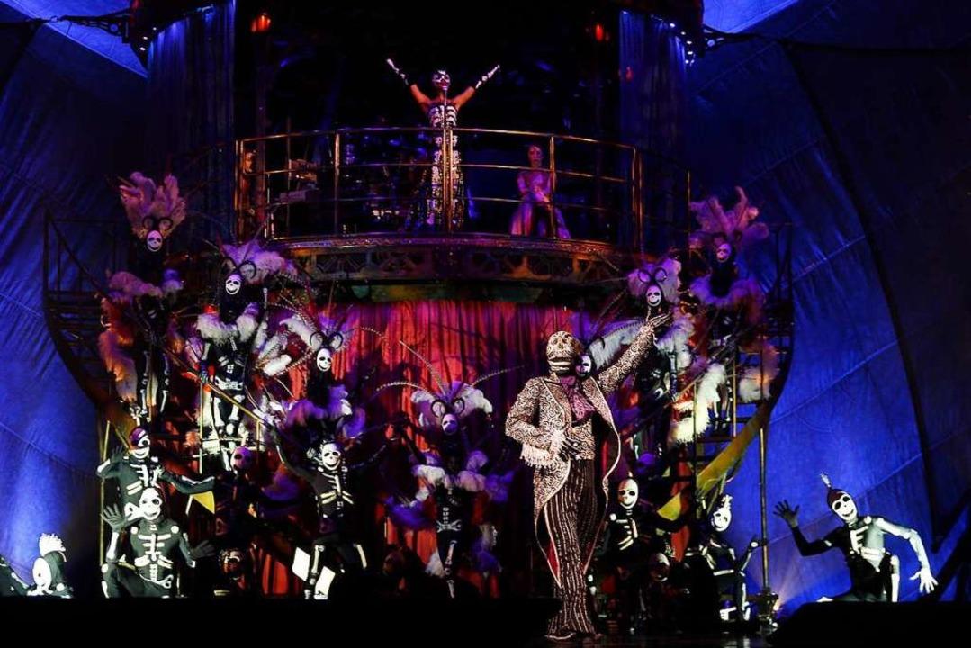 Cirque du Soleil ist bekannt für spekt...d aufwendige Bühnenbilder und Kostüme.  | Foto: Elvis Gonzalez