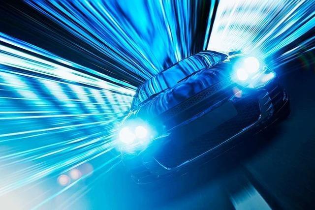 Polizei stoppt illegales Autorennen auf der A5 zwischen Freiburg und Weil am Rhein