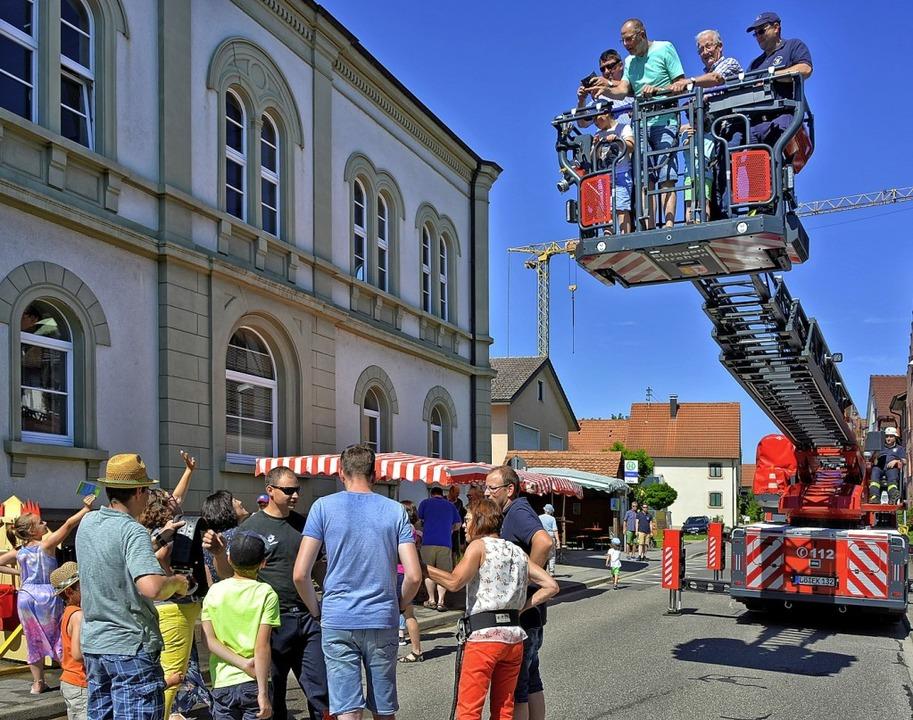 Auf viel Interesse stieß der  Feuerwehrsonntag in  Egringen.   | Foto: JOACHIM G. PINKAWA