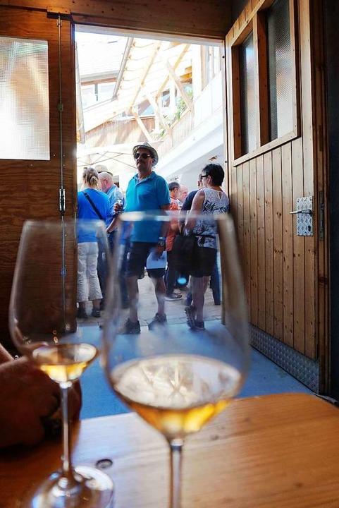 Unter anderem 19 Bukettweine standen b...iesjährigen Weinkost zur Probe bereit.  | Foto: Julius Wilhelm Steckmeister