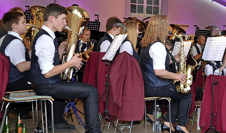 Das Hauptorchester begeisterte die Zuhörer mit spanischen Klängen.  | Foto: Roland Vitt