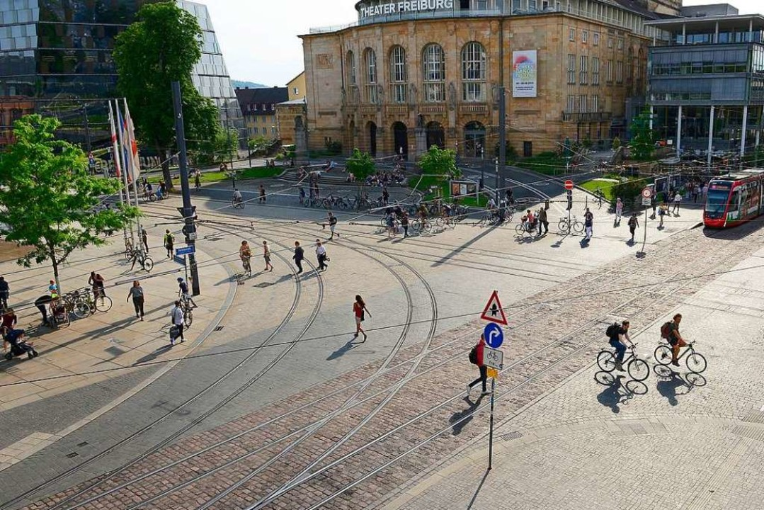 Hier biegt kein Linienfahrzeug links ab – eigentlich.  | Foto: Ingo Schneider