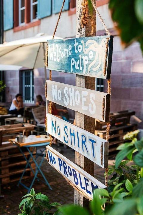 Kein T-Shirt an? Kein Problem. Hier geht es lässig zu.   | Foto: Joss Andres