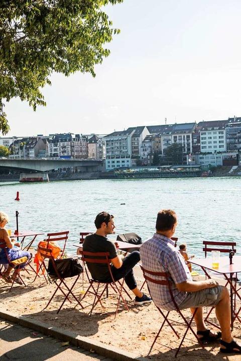 Am Basler Rheinufer   | Foto: Joss Andres