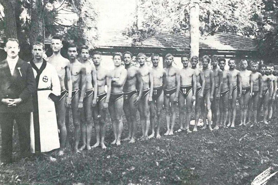 Schwimmer des SSV Freiburg in den 1920er Jahren  | Foto: privat