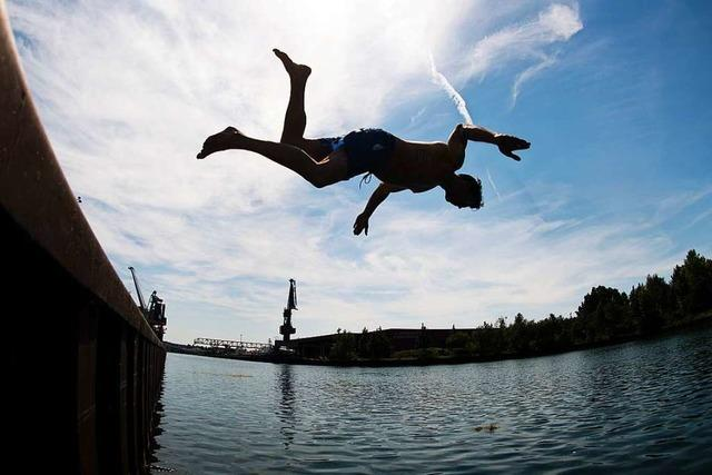 DLRG kämpft für den Erhalt von Schwimmbädern