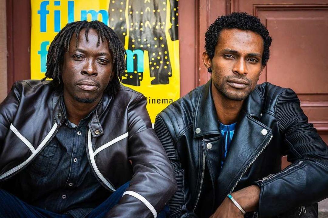 Paul Shemisi und Nizar Saleh hoffen auf eine gute Heimreise.  | Foto: Paul Lovis Wagner