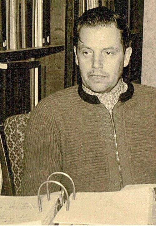Ahnenforscher Albert Köbele in seinem Arbeitszimmer.   | Foto: Rudi Rest