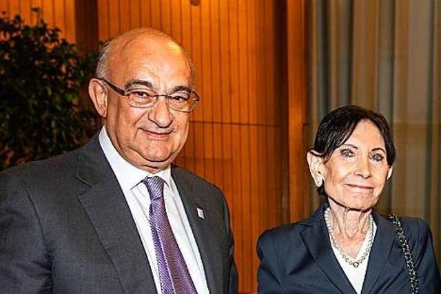 Uni Freiburg verleiht Ehrensenatorwürde an Eva Mayr-Stihl und Robert Bauer