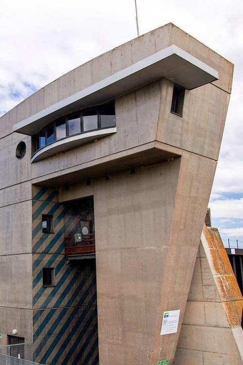 Gesteuert wird die Le-Corbusier-Schleu...ter nördlich steht: Sie sieht so aus.   | Foto: Joss Andres