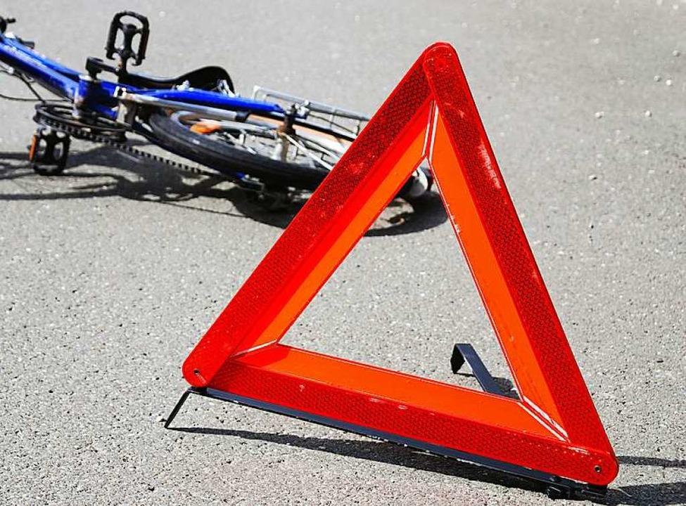 Bei einem Unfall wurde eine Fahrradfahrerin in Lörrach verletzt (Symbolbild).    Foto: Fotolia.com/regine schöttl