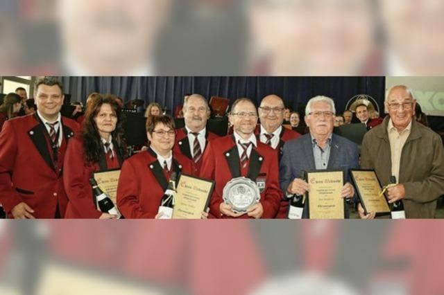 Sechs neue Ehrenmitglieder