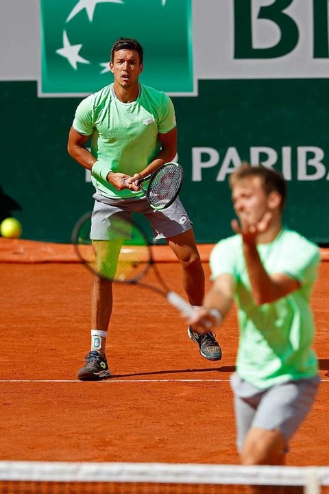 Andreas Mies (hinten) und Kevin Krawietz bei ihrem Halbfinal-Match  | Foto: Jean-Francois Badias (dpa)