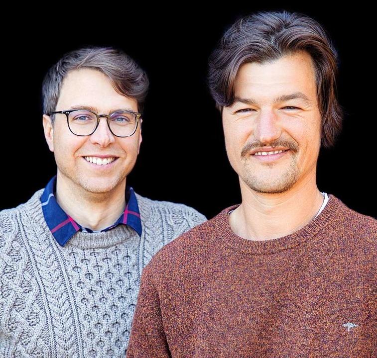 Die Staufener Winzer Christoph Wolber und Alexander Götze (li).  | Foto: Michael Wissing