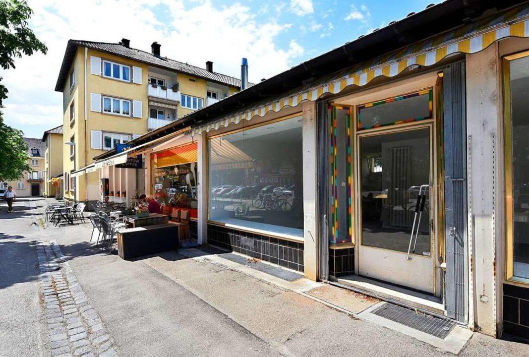 Der ehemalige Lebensmittelladen am Ger...ko-Wäscherei mit Änderungsschneiderei.  | Foto: Thomas Kunz