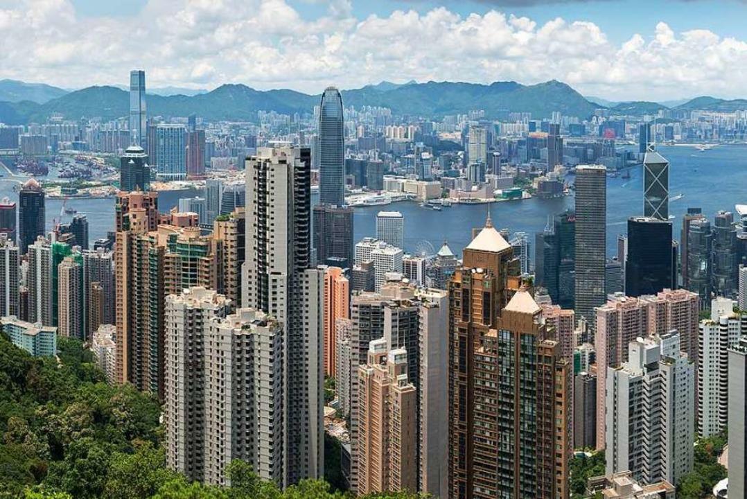 Die imposante Skyline von Hongkong.  | Foto: Kimpin - stock.adobe.com