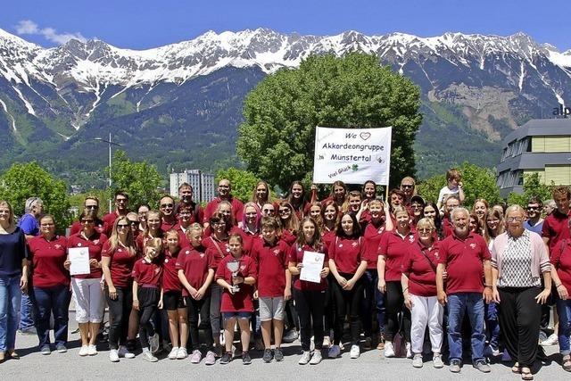 Akkordeongruppe Münstertal erneut auf dem Gipfel