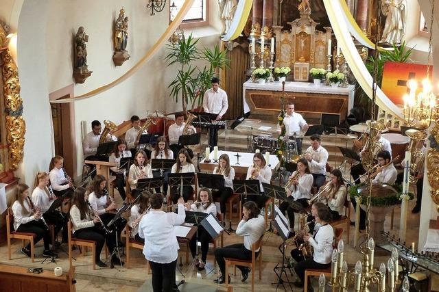 Bläserjugend Biederbach brilliert beim Konzert