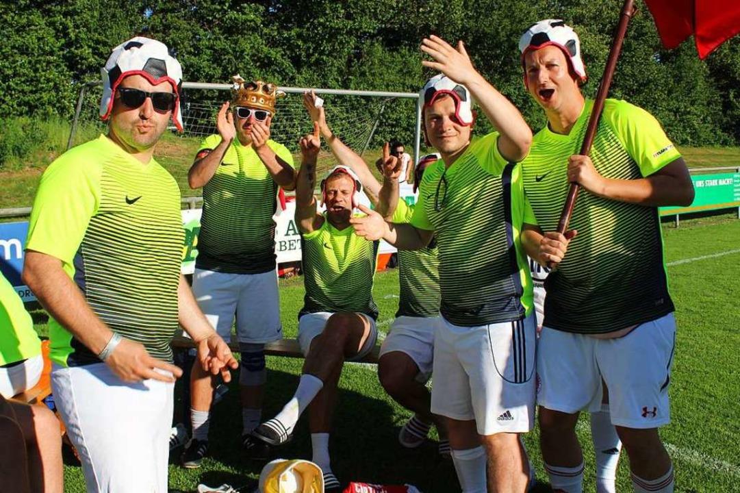 Manche Mannschaften glänzten auch durch ihr skurriles Outfit.  | Foto: Erich Krieger