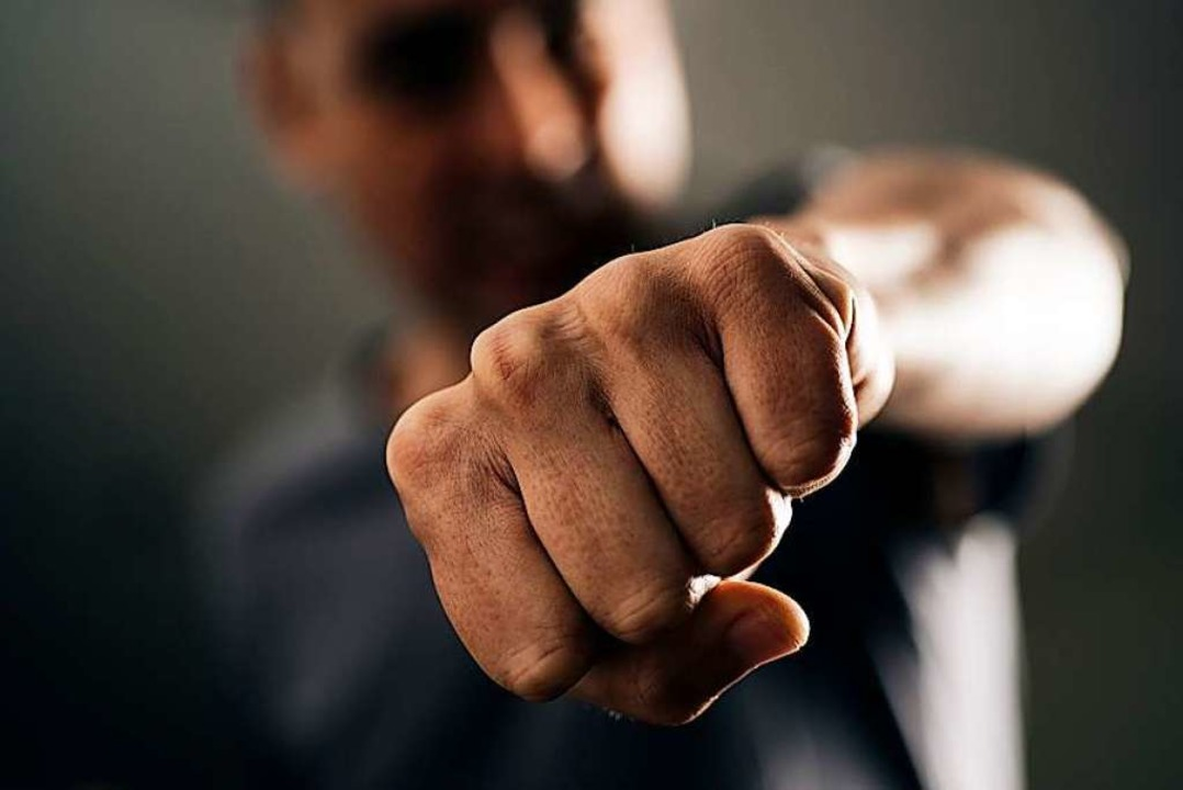 Ein Kunde soll in Lörrach den Verkäufer eines Baumarkts geschlagen haben.  | Foto: nito - stock.adobe.com