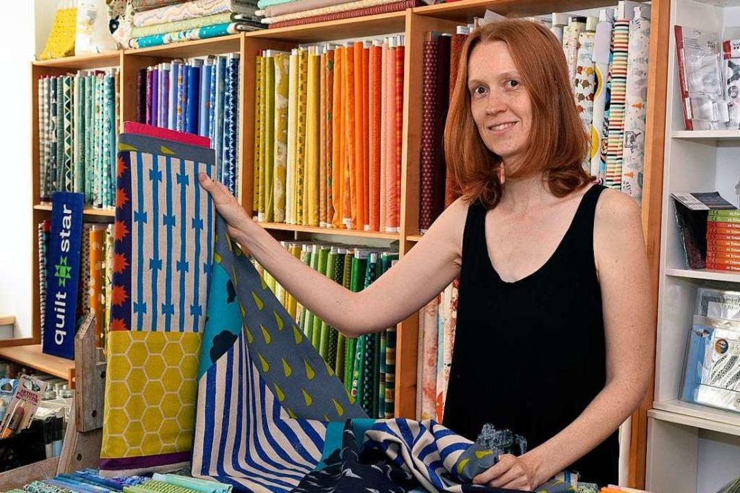 Stoffexpertin Sophie Maechler in ihrem  neuen Laden  | Foto: Thomas Kunz