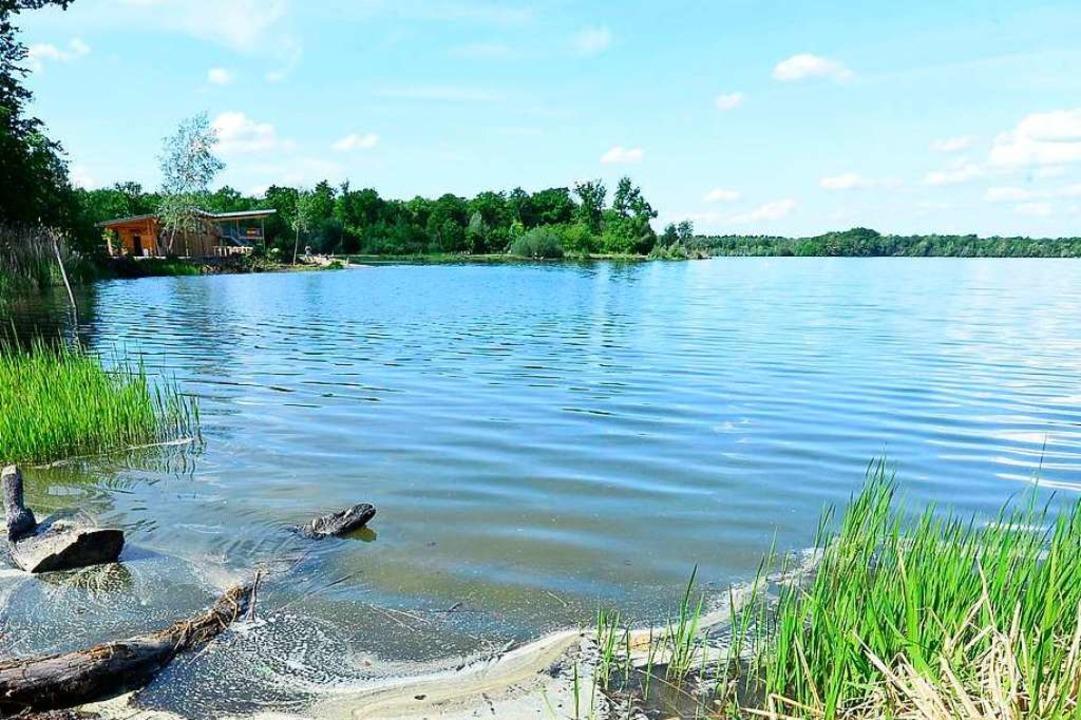 Am Opfinger See hat sich ein unbekannter Mann vor jugendlichen Mädchen entblößt.  | Foto: Ingo Schneider