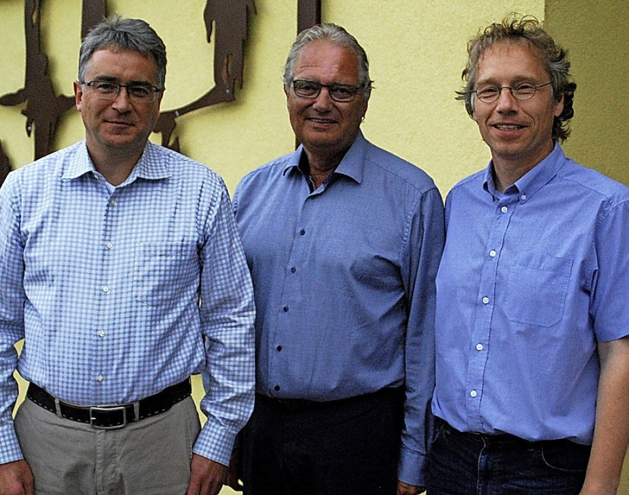 Aufsichtsratsvorsitzender Dieter Burge...artin Völkle (links) und Hartmut Krepp  | Foto: Thomas Loisl Mink