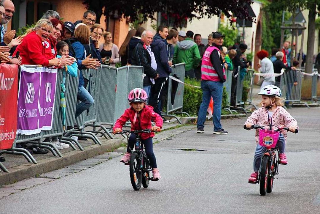 Die Kleinsten konnten beim Einsteigerr...r langen Strecke in die Pedale treten.  | Foto: Mario Schöneberg