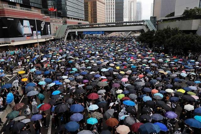 Neue Proteste in Hongkong – Debatte über Auslieferungen verschoben