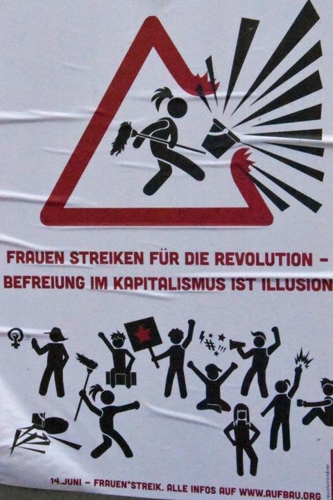 Weg mit dem Putzeimer! Werbeaufkleber für den Frauenstreik.  | Foto: Kathrin Ganter