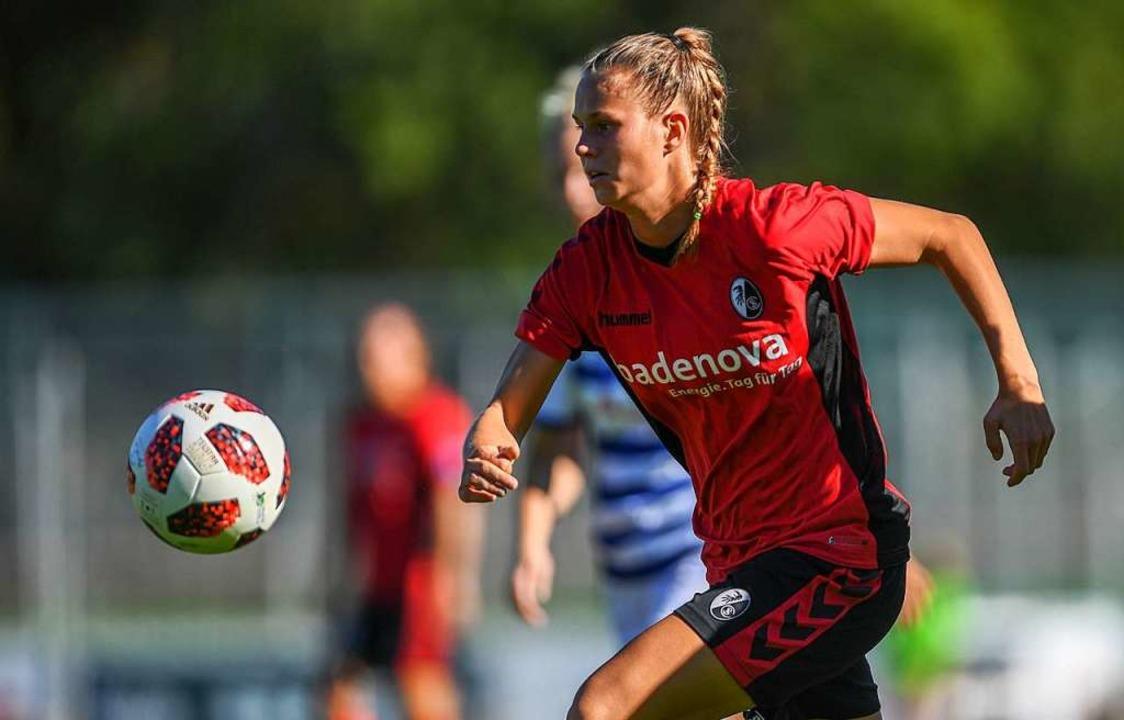 Klara Bühl im  Einsatz für den  SC Freiburg<ppp></ppp>    Foto: Patrick Seeger