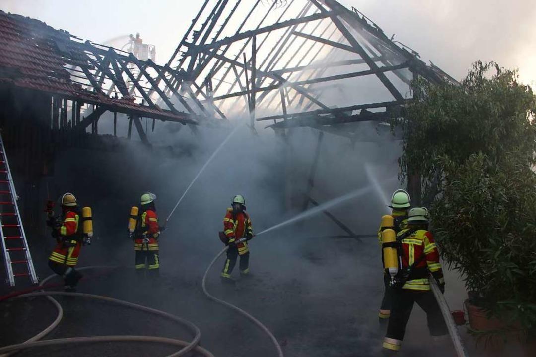 Bei dem Einsatz am zweiten Juniwochene...mehr als 70 Feuerwehrleute im Einsatz.  | Foto: Feuerwehr Herbolzheim