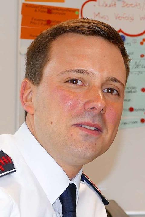 Manuel Müller, der neue Feuerwehrkommandant der Stadt, ist angekommen.  | Foto: Peter Gerigk