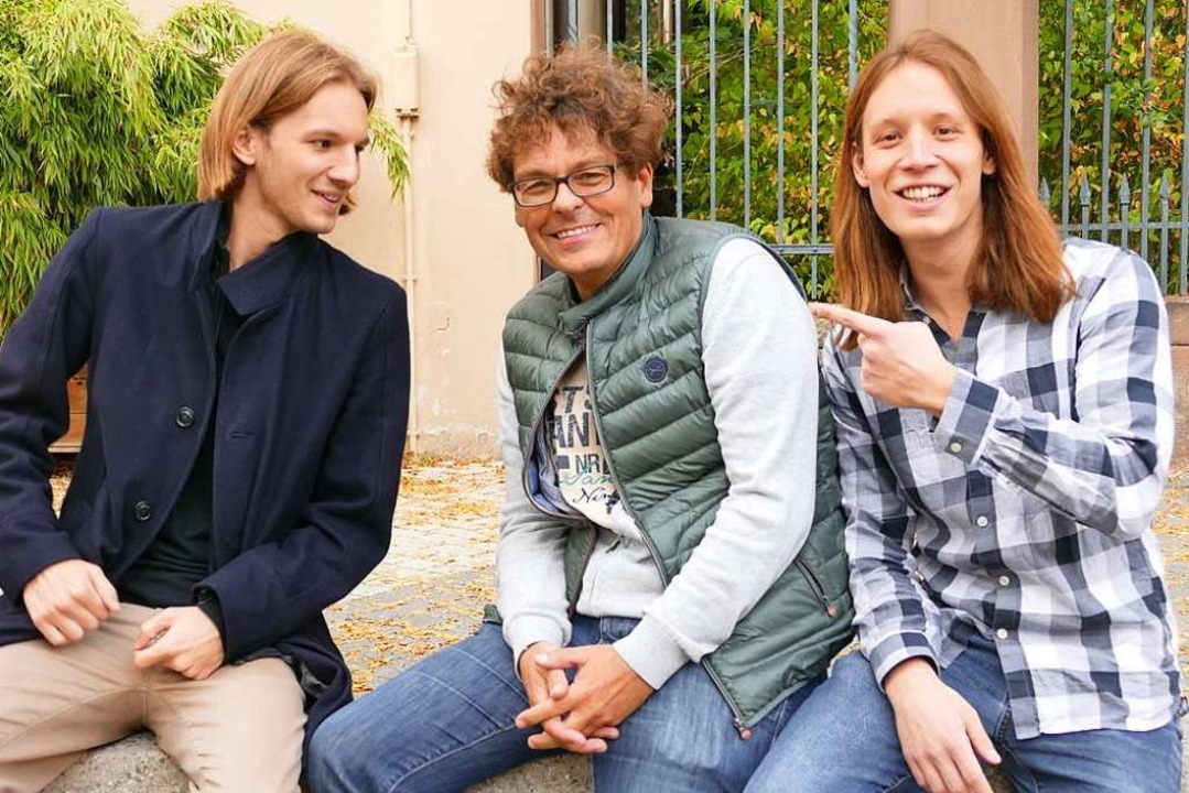Pirmin Styrnol (rechts) und sein Brude...eren   Scaramouche-Sänger Frank Vetter  | Foto: Christian Kramberg