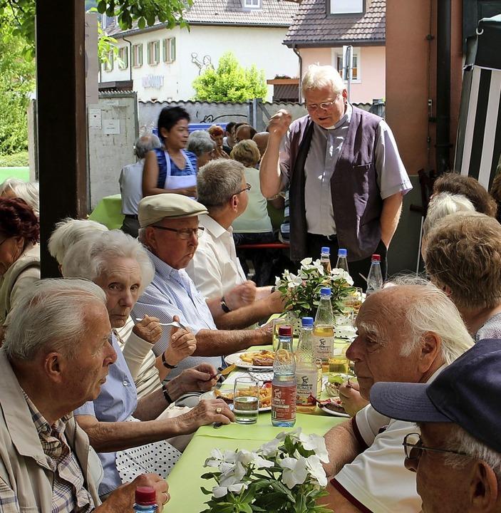 Bisher feierten die Wehrer Katholiken ... Festbesuchern ins Gespräch zu kommen.  | Foto: Hansjörg Bader