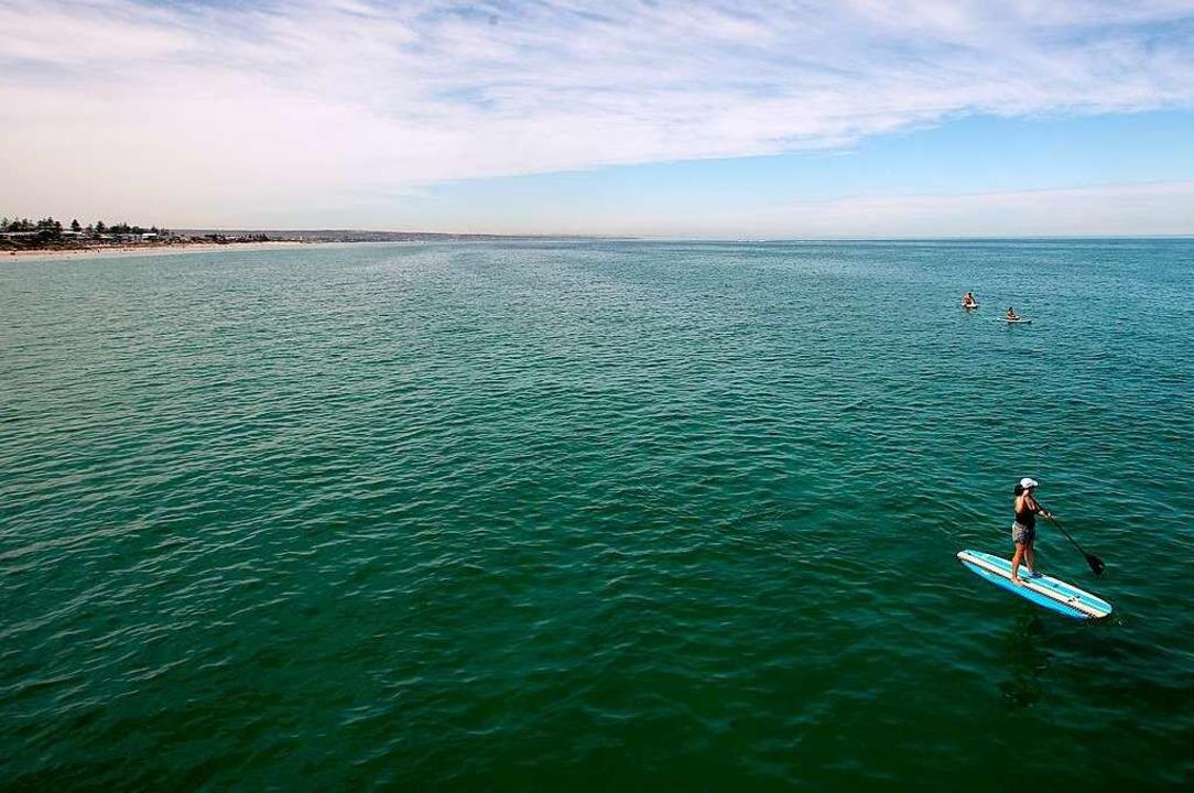 Stehpaddeln vor der australischen Küste  | Foto: Kelly Barnes