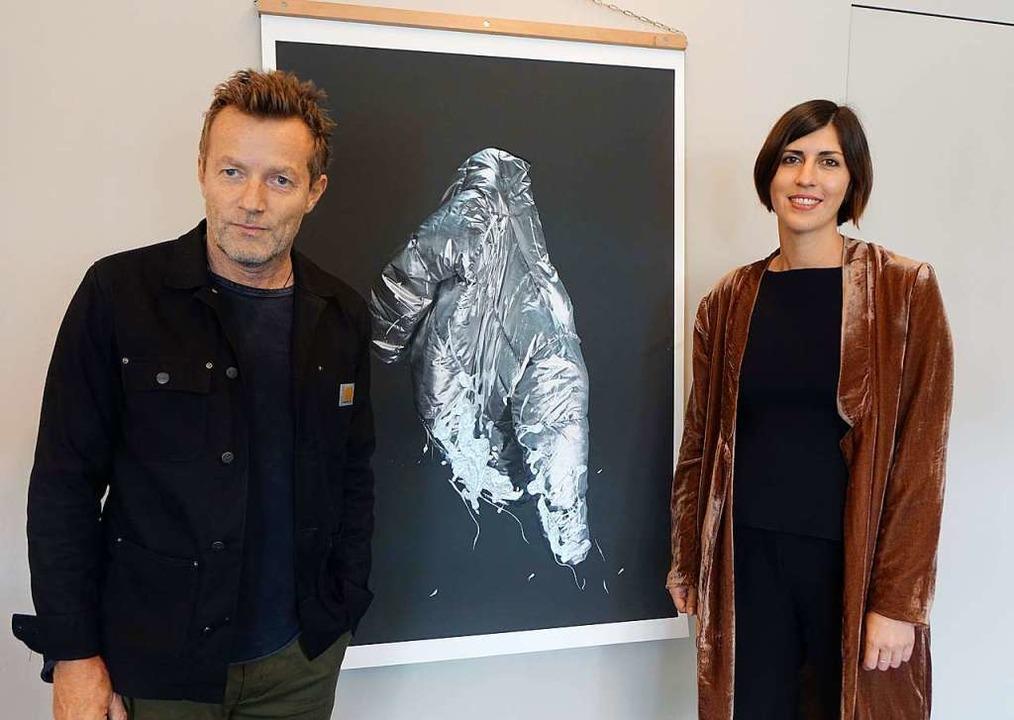 Viele Künstler, Sammler und Galeristen... hinterfragenden  Installationen gibt.  | Foto: Roswitha Frey